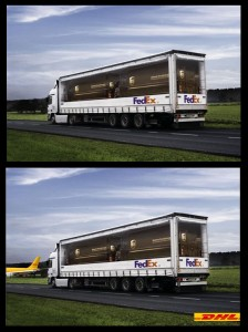 Werbeplakate von FedEx und DHL