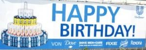 Plakat am Unilever-Gebäude im Hamburger Hafen